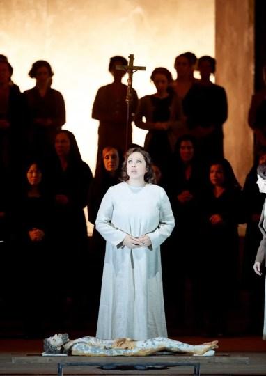 Maria José Siri in Il trovatore at the Vienna State Opera © Michael Poehn, 2017