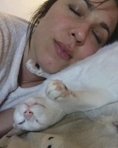 Maria José Siri with her cat Lolit