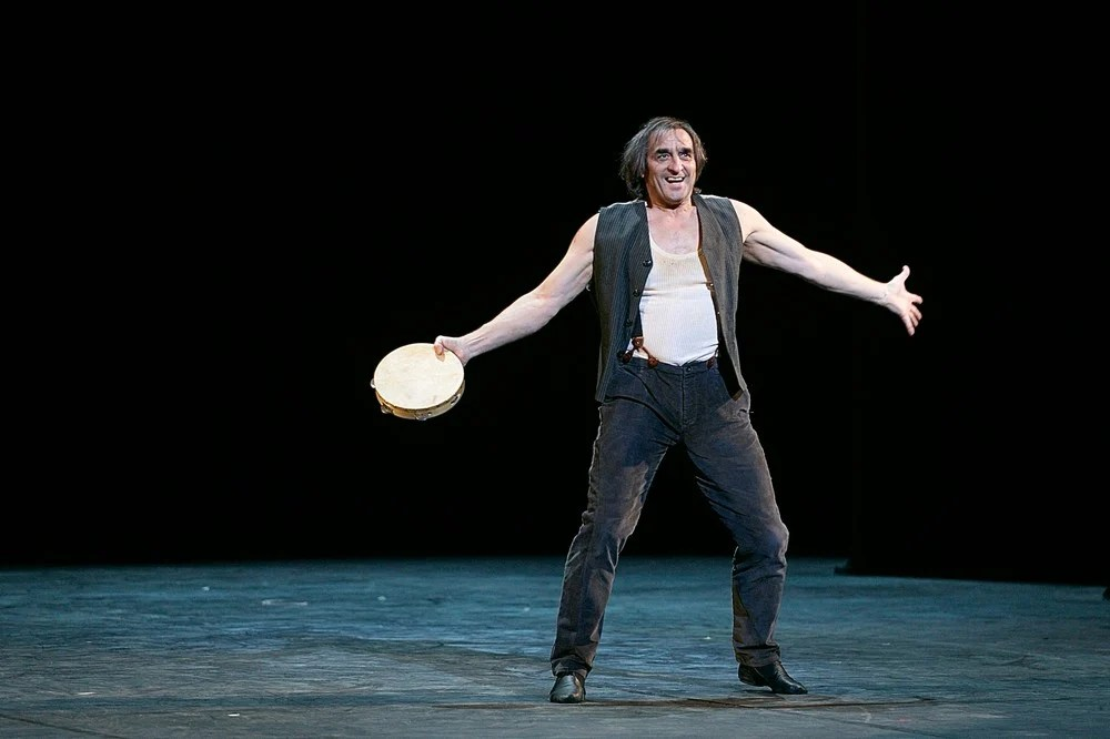 JINGLING FROM THE ZILLS, Performed by lrek Mukhamedov, Choreography Arthur Pita by Dasa Wharton 02