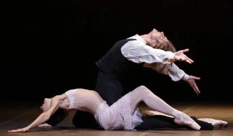 La Dame aux Camélias, with Timofej Andrijashenko and Nicoletta Manni, photo by Brescia e Amisano, Teatro alla Scala 2017 01
