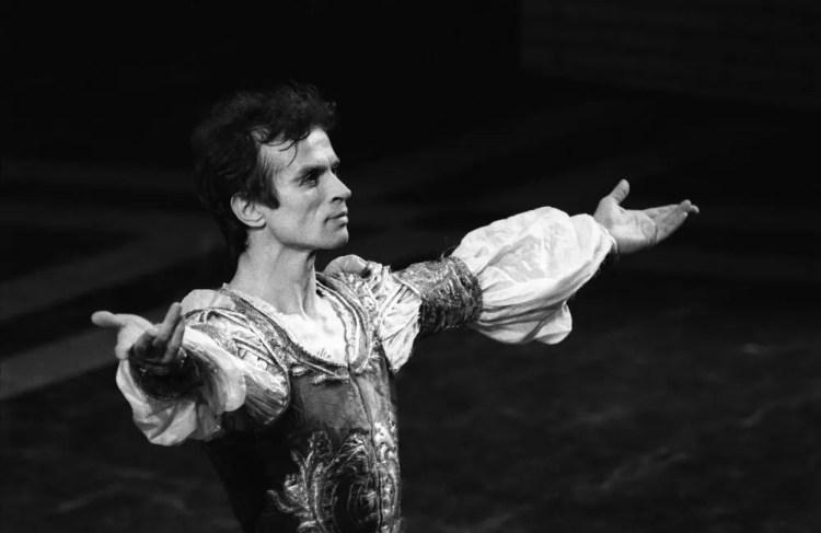 Nureyev as Romeo, 1980 Nureyev, photo by Lelli e Masotti