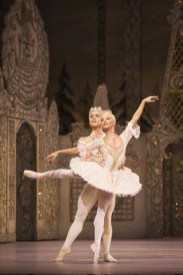 The Nutcracker. Alexander Campbell as The Prince and Francesca Hayward as The Sugar Plum Fairy. ©ROH 2016, photo by Helen Maybanks