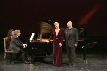from left, James Vaughan, Eva Mei and Giorgio Berrugi © Brescia e Amisano, Teatro alla Scala 2018
