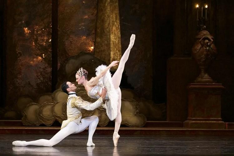 Birmingham Royal Ballet in rehearsal for Sleeping Beauty, photos by Dasa Wharton 19