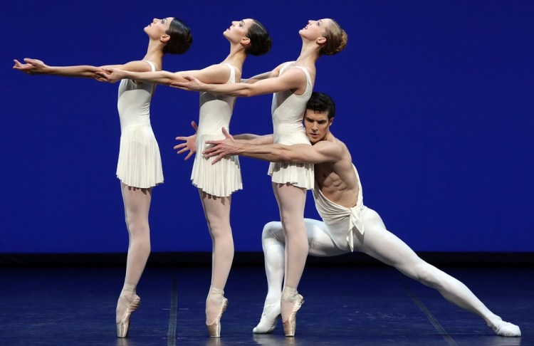 Apollo choreography by George Balanchine© The George Balanchine Trust   Roberto Bolle  Nicoletta Manni Martina Arduino Virna Toppi, photo by  Brescia e Amisano Teatro alla Scala