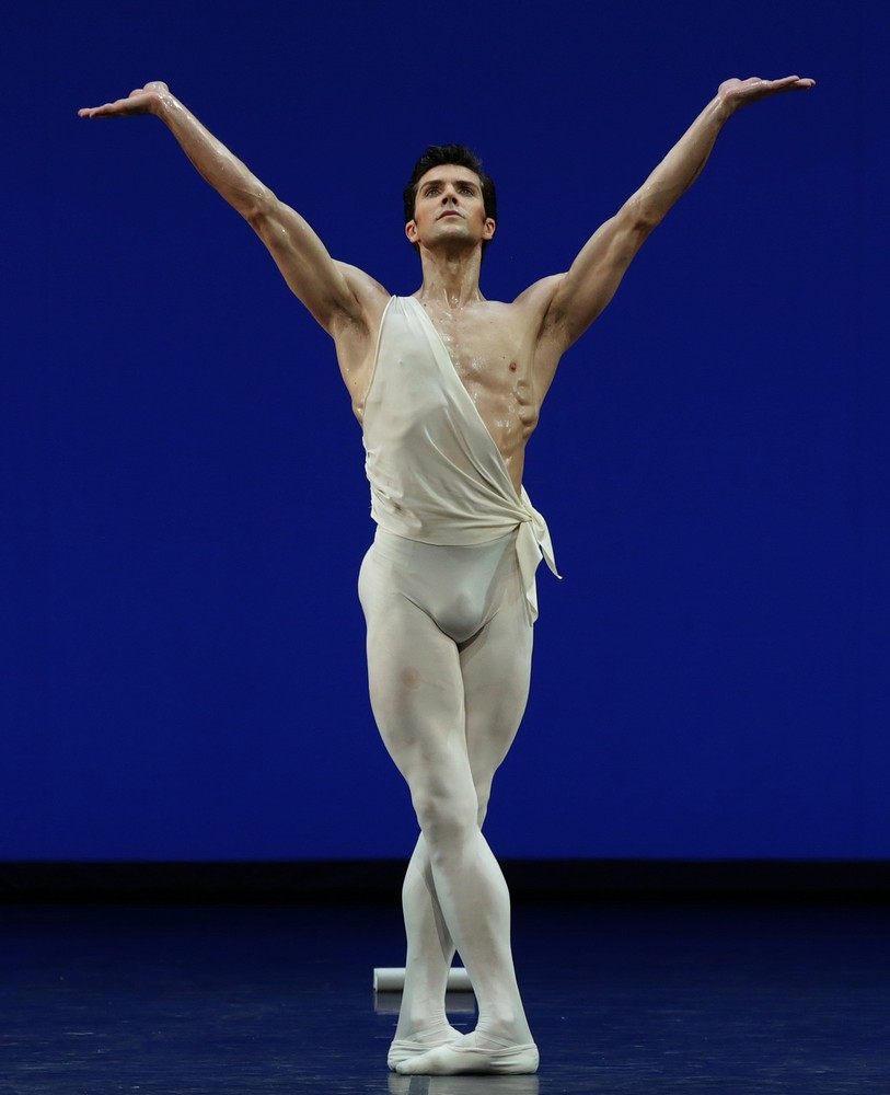 Apollo choreography by George Balanchine© The George Balanchine Trust Roberto Bolle, photo by Brescia e Amisano Teatro alla Scala (2)