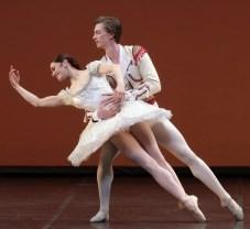 Don Quixote with Marianela Nunez and Vadim Muntagirov, photo by Brescia e Amisano, Teatro alla Scala