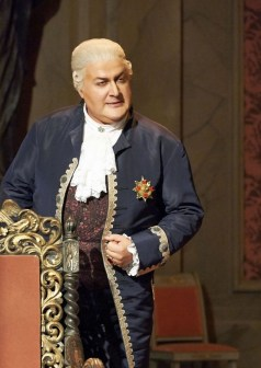 George Gagnidze in Tosca at the Wiener Staatsoper, 2014, photo by Michael Poehn