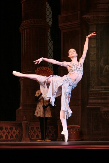 Ekaterina Krysanova As Gamzatti In La Bayadére, Photo By Elena Fetisova, Bolshoi Theatre 2007