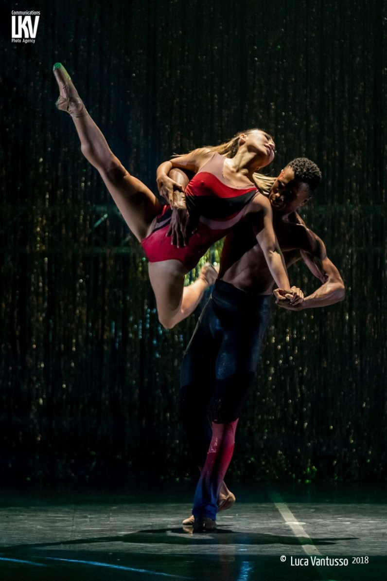 Star Dust by Dwight Rhoden, Complexions - photo by Luca Vantusso - 13