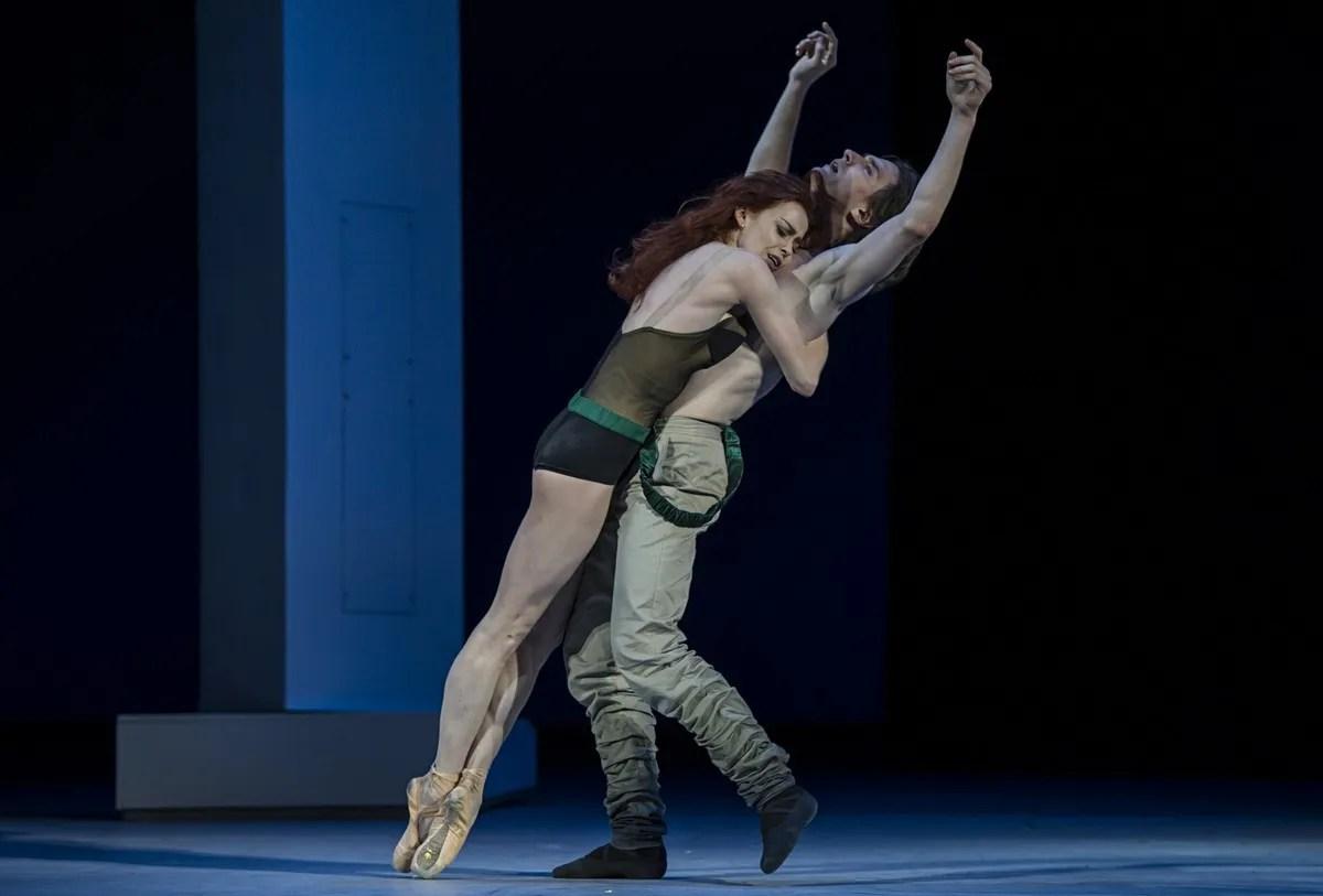 Ekaterina Krysanova and Vladislav Lantratov in The Taming of the Shrew, photo by Alice Blangero