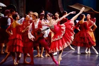 La Scala in Tianjin in Don Quixote with Nicoletta Manni and Timofej Andrijashenko