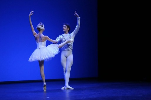 Myriam Ould-Braham and István Simon performing the white swan pdd in Barcelona, photo by Sila Avvakum