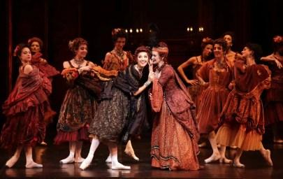 Manon - in the sentre Martina Arduino and Deborah Gismondi, photo Brescia e Amisano, Teatro alla Scala, 17 October 2018