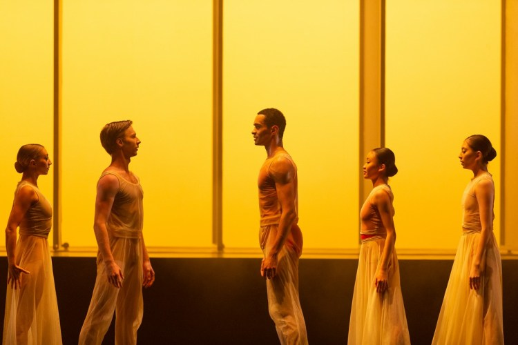 31 Embrace by George Williamson with Brandon Lawrence and Max Maslan © Dasa Wharton, Birmingham Royal Ballet 2018 03