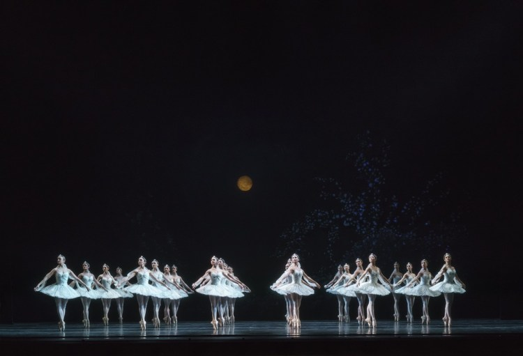 La Bayadère. Artists of The Royal Ballet. ©ROH, 2018. Photographed by Bill Cooper.