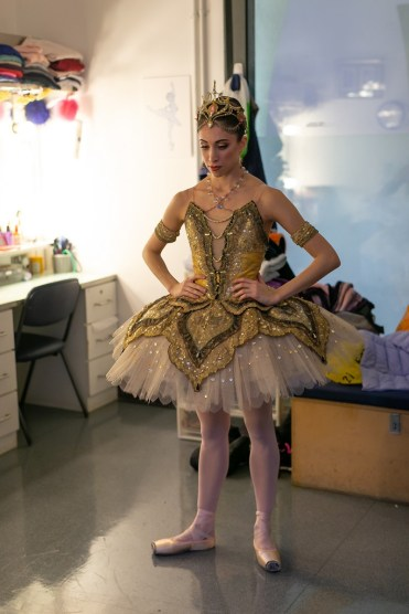 Yasmine Naghdi prepares for Gamzatti, photo by Dasa Wharton 18