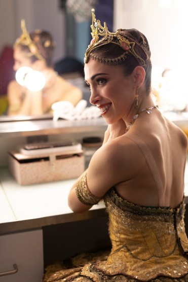 Yasmine Naghdi prepares for Gamzatti, photo by Dasa Wharton 20