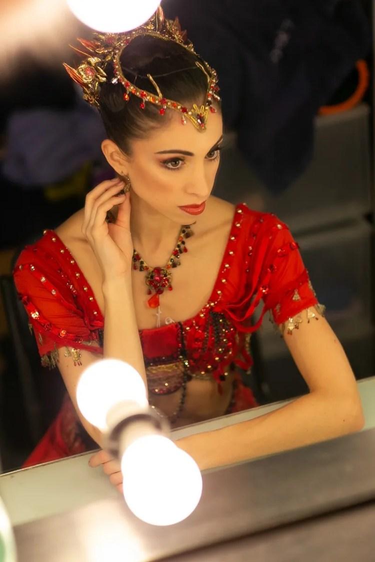 Yasmine Naghdi prepares for Gamzatti, photo by Dasa Wharton 24