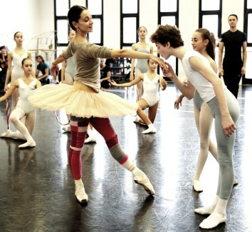 Balanchine's Nutcracker with Nicoletta Manni and students from La Scala's Ballet School 02