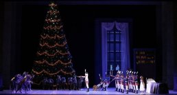 George Balanchine's The Nutcracker®, Act 1, photo by Brescia e Amisano, Teatro alla Scala 2018 02
