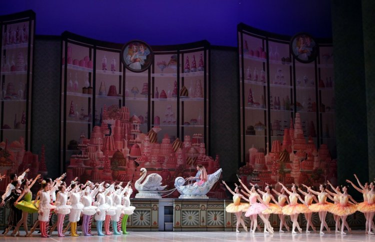 George Balanchine's The Nutcracker®, Act 2, photo by Brescia e Amisano, Teatro alla Scala 2018