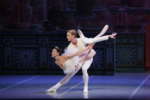 George Balanchine's The Nutcracker®, Nicoletta Manni and Timofej Andrijashenko, photo by Brescia e Amisano, Teatro alla Scala 2018