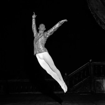 Roberto Fascilla in Balanchine's Ballet Imperial in 1962, photo by Erio Piccaglaini