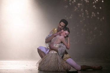 Beauty and the Beast by David Bintley, photo by Dasa Wharton, BRB 2019 27
