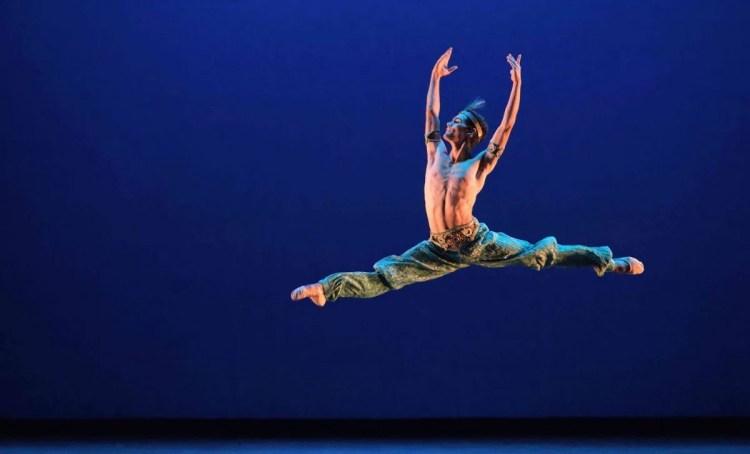 Daniel McCormick performing Le Corsaire © Laurent Liotardo 3 1 2500x1514
