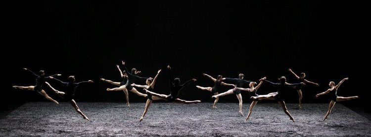 Winterreise by Angelin Preljocaj, photo by Brescia and Amisano