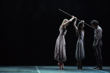 Alina Cojocaru, Stina Quagebeur and Isaac Hernandez in Akram Khan's Giselle © Laurent Liotardo
