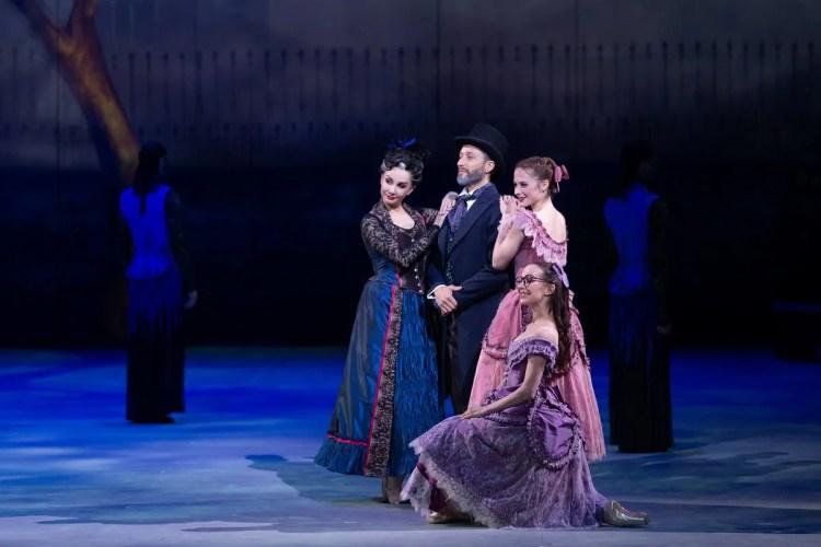 04 Christopher Wheeldon's Cinderella with English National Ballet © Dasa Wharton