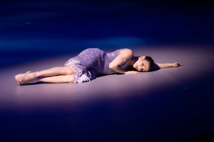 13 Christopher Wheeldon's Cinderella with English National Ballet © Dasa Wharton