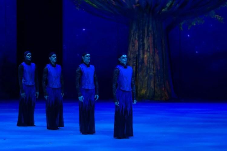 15 Christopher Wheeldon's Cinderella with English National Ballet © Dasa Wharton