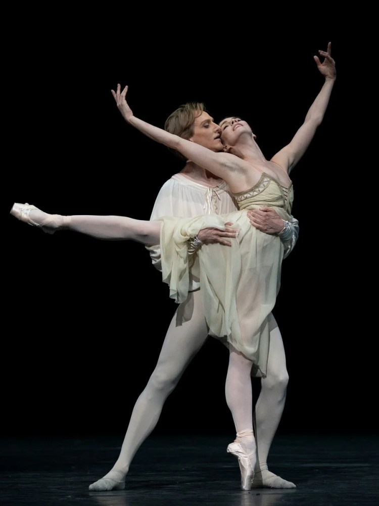 David Hallberg and Natalia Osipova in Romeo and Juliet, photo by Andrej Uspenskie ROH