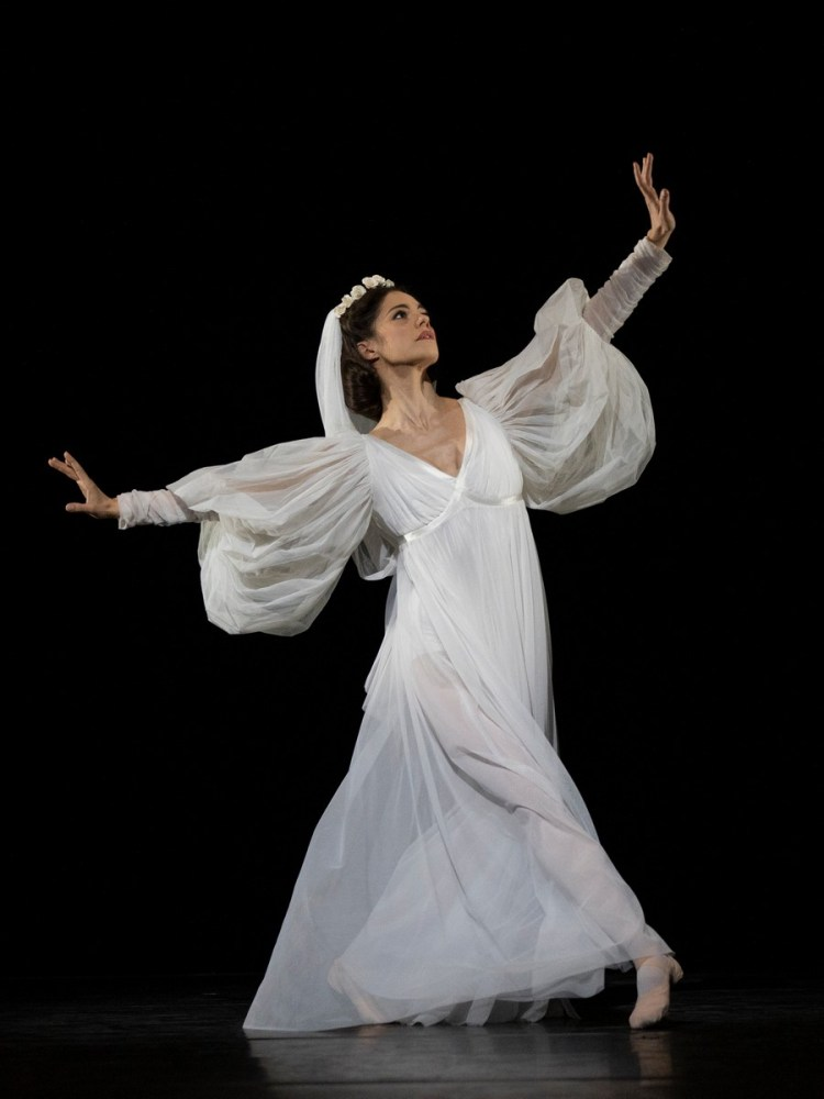 Romany Pajdakin The Wise Virgins, photo by Andrej Uspenkie ROH