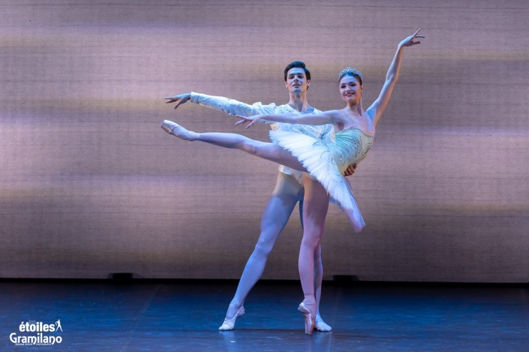 Grand Pas Classique with with Alena Kovaleva and Jacopo Tissi © Graham Spicer, Daniele Cipriani Entertainment 1