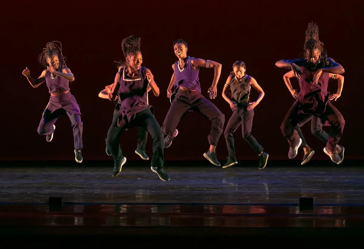 08 Alvin Ailey American Dance Theater in Rennie Harris' Lazarus, photo by Dasa Wharton