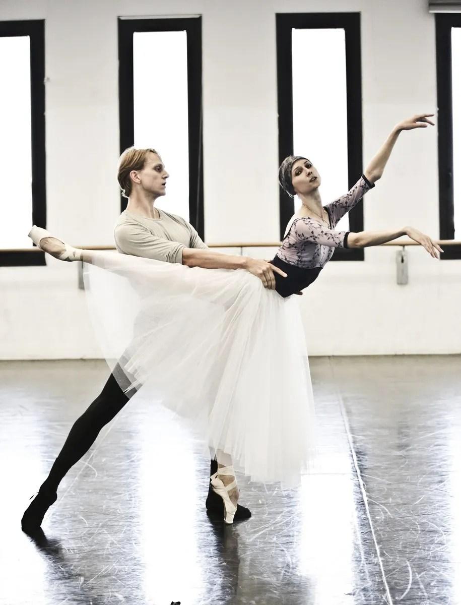 08 Giselle in rehearsal with Svetlana Zakharova and David Hallberg © Brescia e Amisano Teatro alla Scala