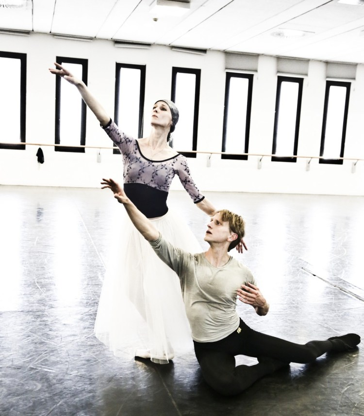 10 Giselle in rehearsal with Svetlana Zakharova and David Hallberg © Brescia e Amisano Teatro alla Scala