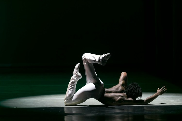 18 AAADT's Ghrai DeVore Stokes in Jessica Lang's EN, photo by Dasa Wharton