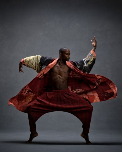 Samuel Lee Roberts, Alvin Ailey American Dance Theater Clothing by Issey Miyake © Ken Browar and Deborah Ory