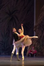 Alessandro Macario in Le Corsaire by Alexei Fadeyechev with Jurgita Dronina, Teatro San Carlo