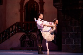 Coppelia. Francesca Hayward as Swanilda and Alexander Campbell as Franz. (c) ROH, 2019. Photographed by Bill Cooper. (1)