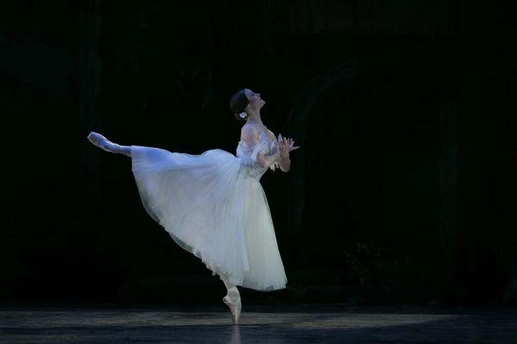 33 Giselle, Birmigham Royal Ballet, with Delia Mathews © Dasa Wharton 2019