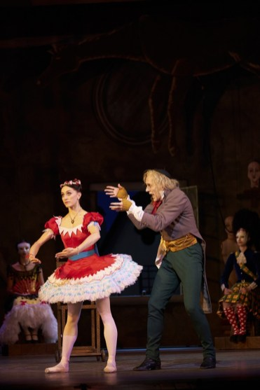Coppélia with Gary Avis and Marianel Nunez, photo by Bill Cooper ROH