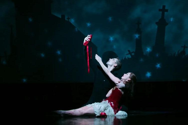 Matthew Bourne's The Red Shoes © Dasa Wharton, 2019 21