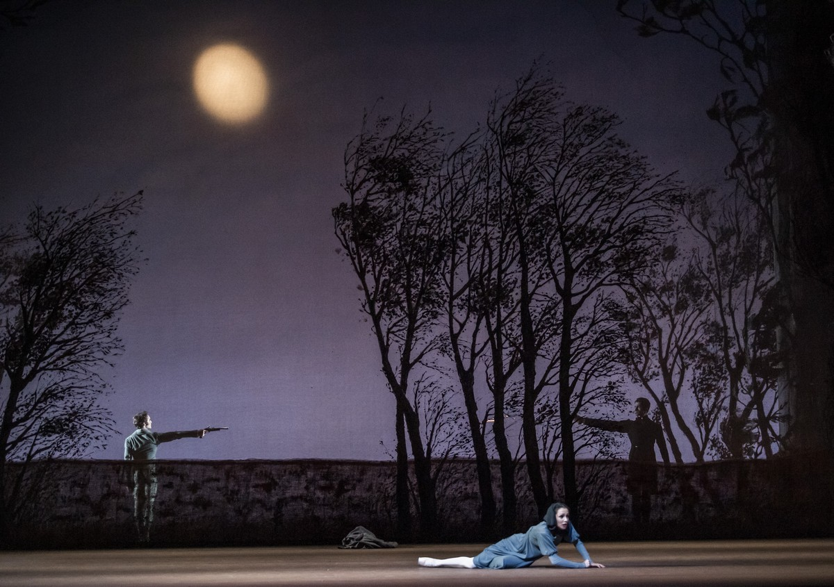 Onegin with artists of The Royal Ballet Onegin © ROH, 2020. Photographed by Tristram Kenton