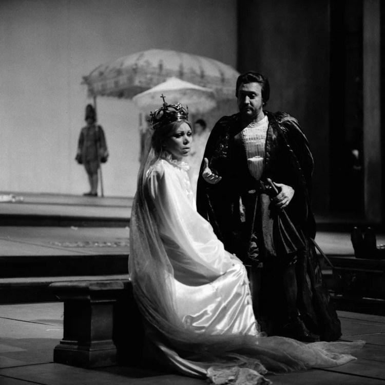 15 Mirella Freni in DON CARLO 1977 with Piero Cappuccilli photo by Erio Piccagliani © Teatro alla Scala